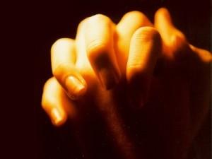 812_praying_400