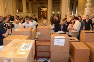 23_Depunere_semnaturi_Coalitia_pentru_Familie_Parlament-16