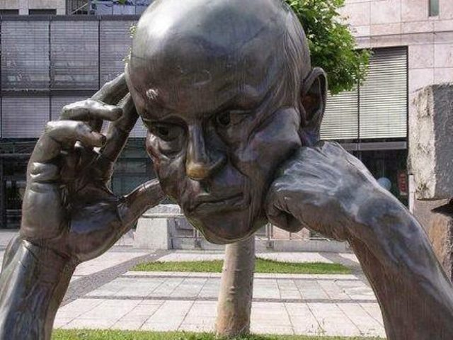 thinking-sculpture-stuttgart-germania-600x330