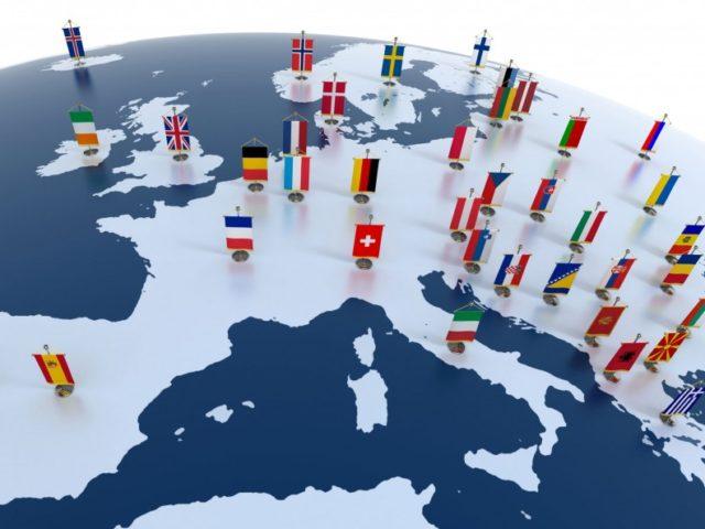 1400168321-europa-bandierine