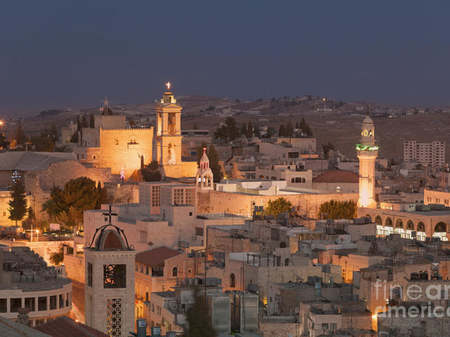 1-panoramic-skyline-at-night-of-bethlehem-stefano-baldini