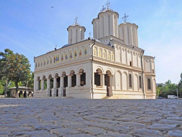 Catedrala-Patriarhala-3_w890_h668_q100