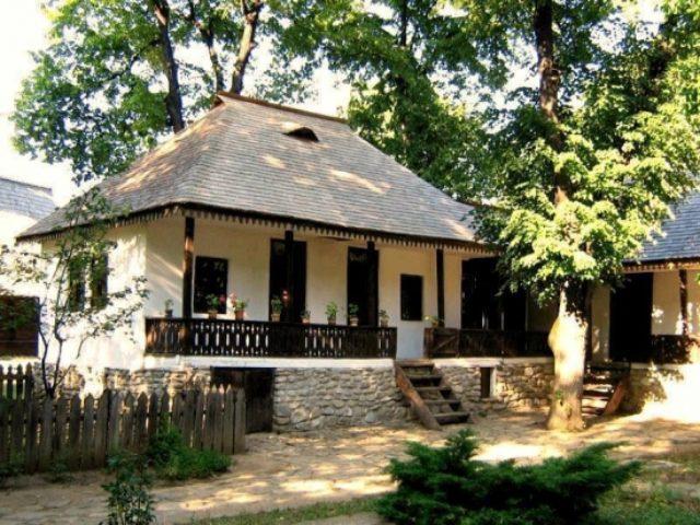 Casa-traditionala-romaneasca-din-zona-Sibiului